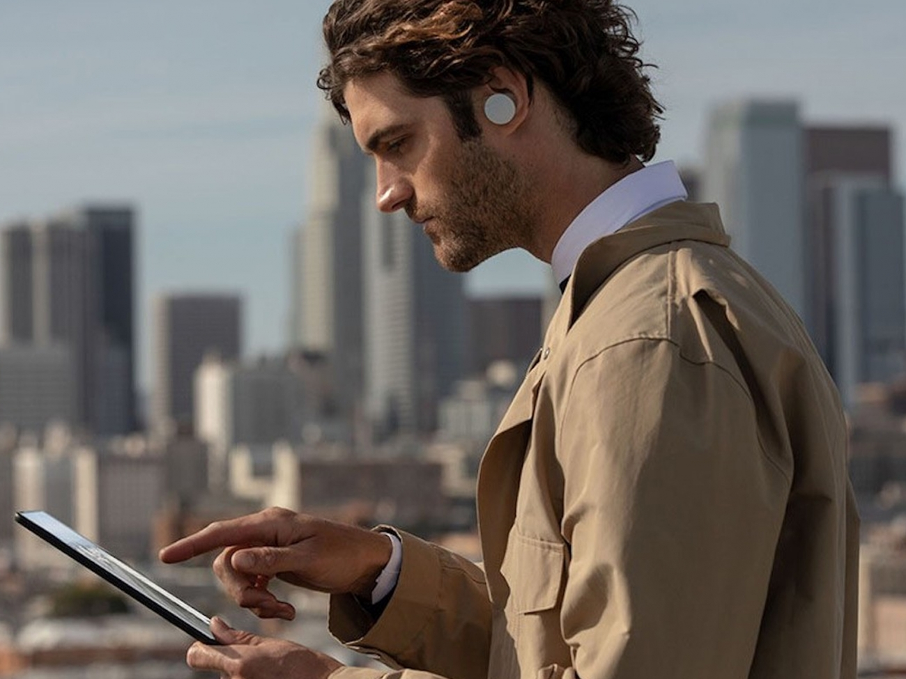 Microsoft Surface Earbuds. «Умные» наушники